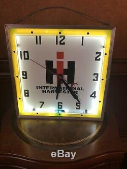 Extremely Rare Vintage International Harvester Neon 15 Inch Clock