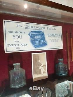 Rare Find! Vintage Antique Underwood Typewriter Shop Display Advertising Case