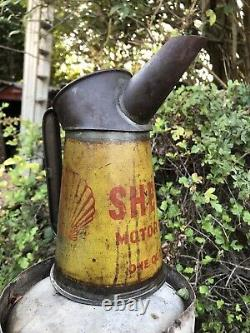 Rare Vintage Automobilia Classic Shell Motor Oil Half Gall Garage Jug Pourer Can