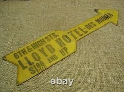 Vintage Metal Des Moines Iowa Hotel Arrow Sign RARE Antique Old $1.00 & UP 5289