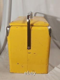 Vintage Squirt Soda Bottle Picnic / Ice Cooler, 1950s Era, Metal, Nice & Rare